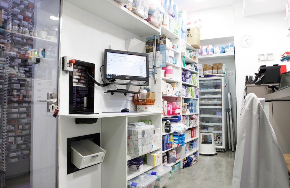 Robot de farmacia adaptado a viga y columna